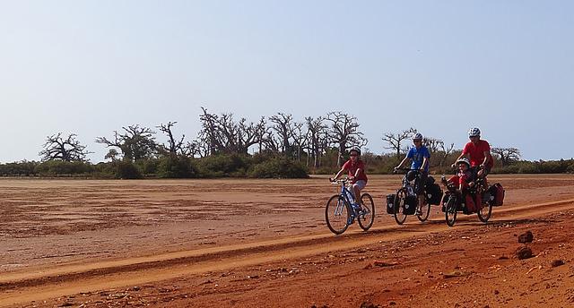 Senegal y Gambia en bicicleta con Mikel Bringas